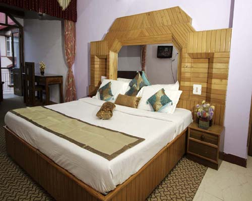 Hotel Booking in Manali